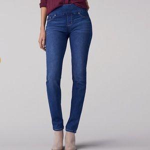 Lee slim fit slim leg mid rise jeans, size 12 m
